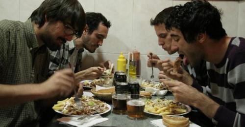 ¿Kebab previo farra?/ se comen el escenario